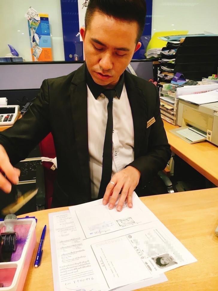 バンコクで通帳と免許とキャッシュカードと現金を失くす男。タイで銀行と警察に行く