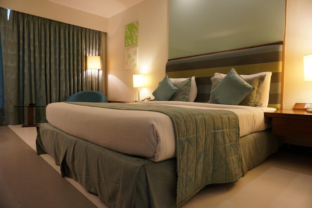 予約サイトに手数料を払いたくないお店と、安く買いたい消費者と - hotel 1515463228